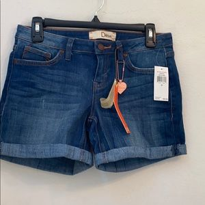 NWT Dittos blue jean shorts size 26
